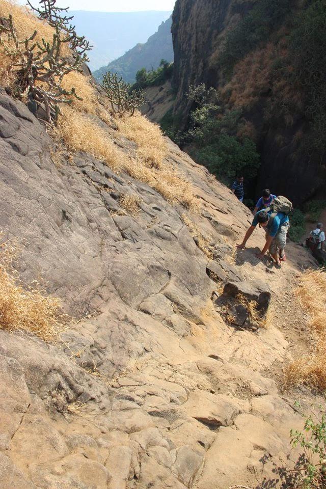 The Difficult steps to the Kalavantin Top